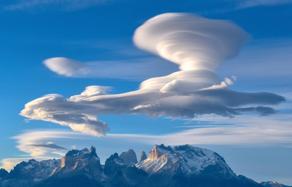 Lenticularis Cloud